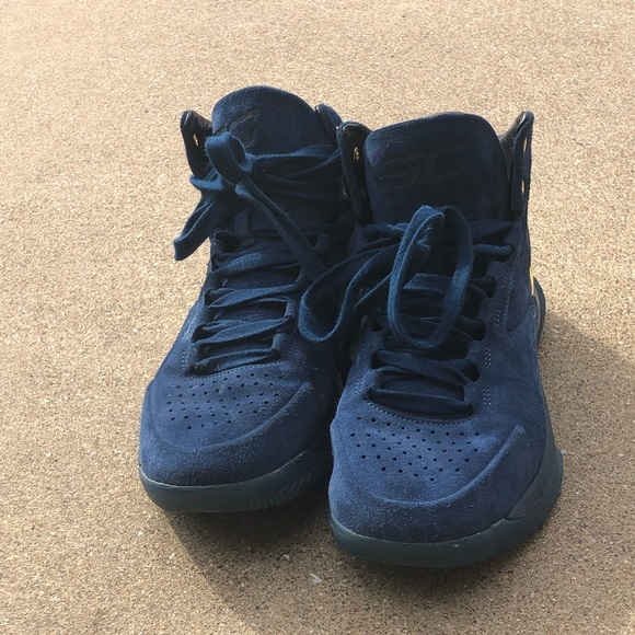 reputable site 56a81 0259d Under Armour Curry Lux Suede Basketball Shoes